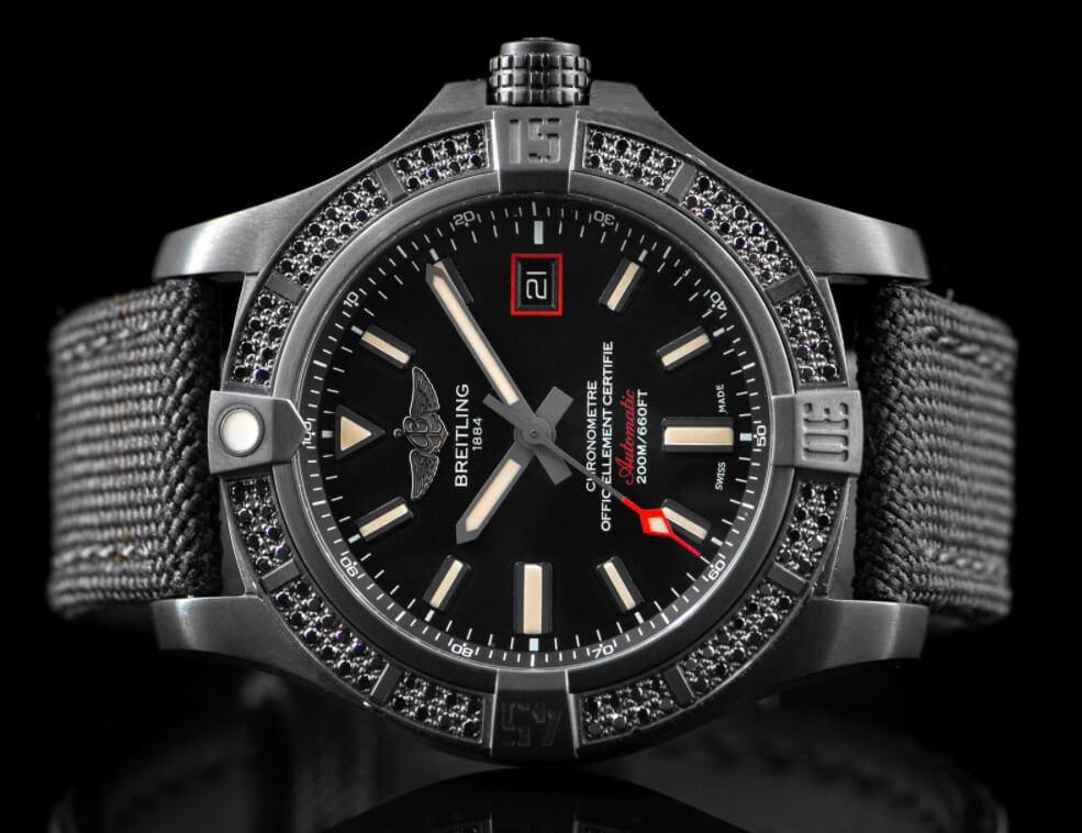Đánh giá đồng hồ Breitling Avenger Blackbird V17311AT / BD74