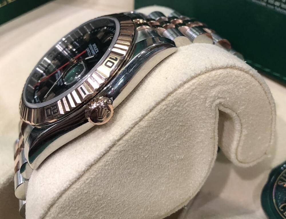 Đồng hồ Rolex Turn-O-Graph - Vỏ và Vương miện