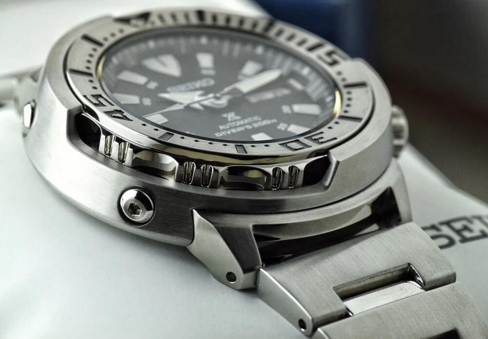 Vỏ và dây đeo đồng hồ Seiko Baby Tuna SRP637