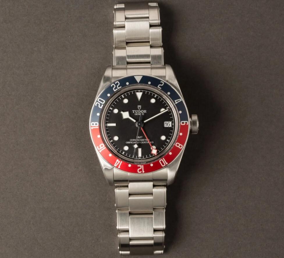 Đồng hồ udor Pepsi Black Bay GMT Ref. M79830RB