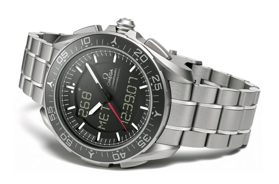 Đồng hồ Omega Speedmaster Skywalker X-33