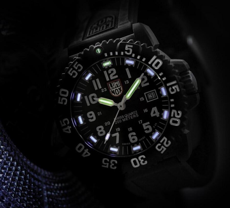 Đồng hồ Tritium Luminox Navy Seal Colormark XS.3051.F